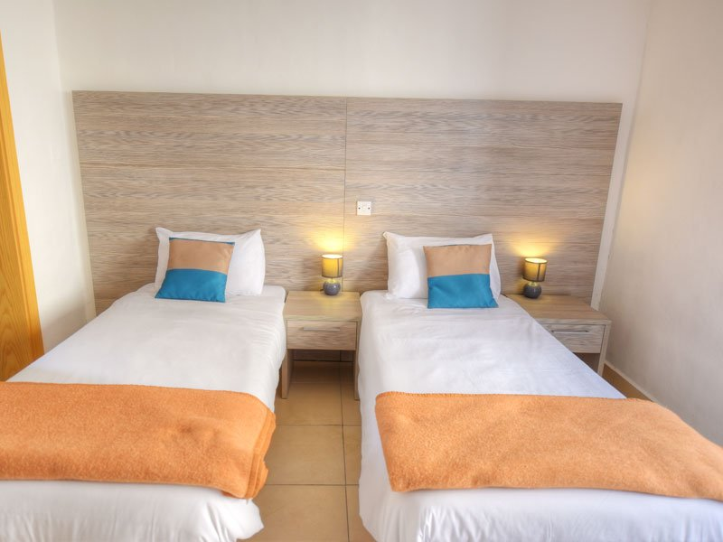 Hotel-twin-room